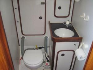 1 af 4 toilet incl bad
